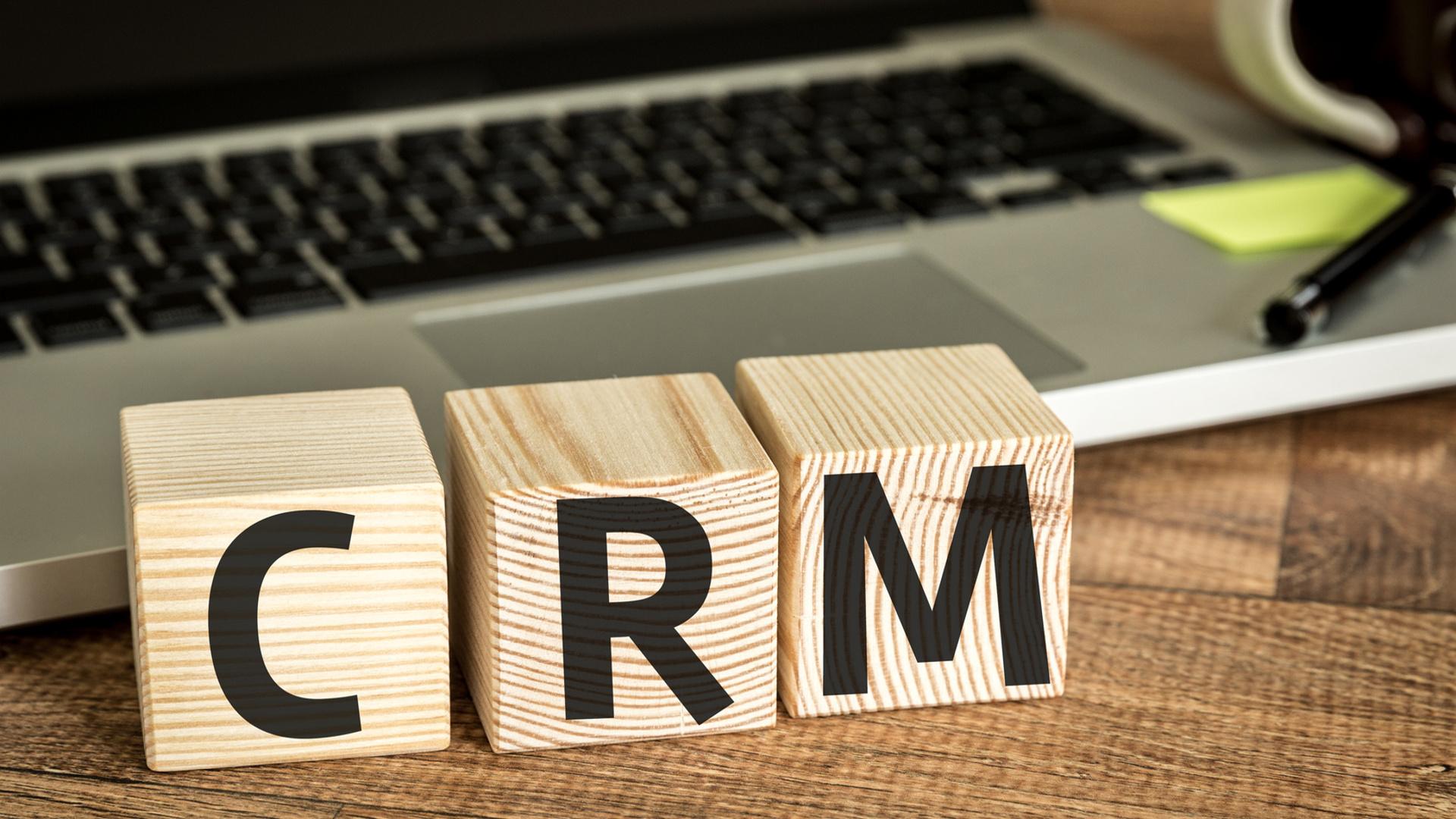 crm-software-fundamental-para-marketing-y-ventas-1920